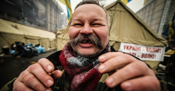 Да кому ты сдалась, Украина?!