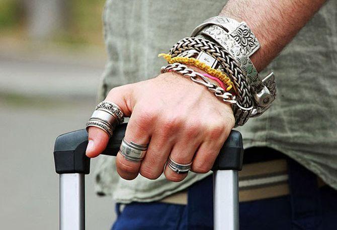 Что символизируют кольца на разных пальцах?