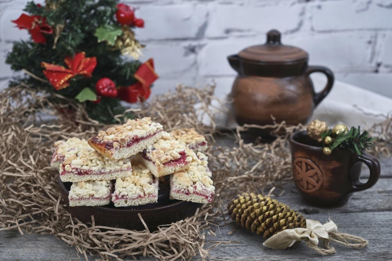 Выпечка с майонезом: пироги, торты, печенье