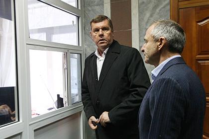 СМИ узнали о предъявлении обвинения в мошенничестве барду Александру Новикову