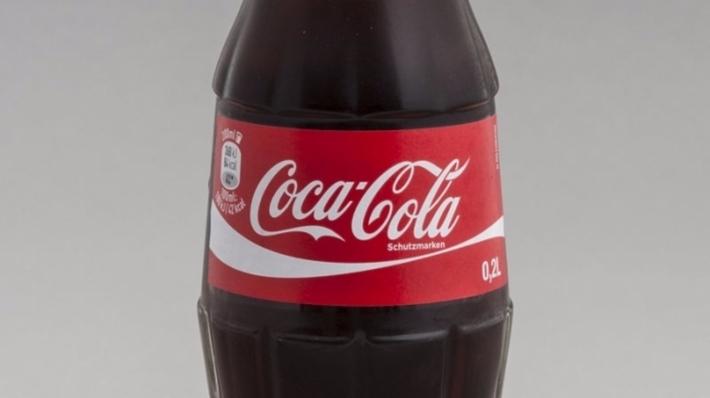 Блогеры показали итог трехнедельной выдержки зубов в Coca-Cola