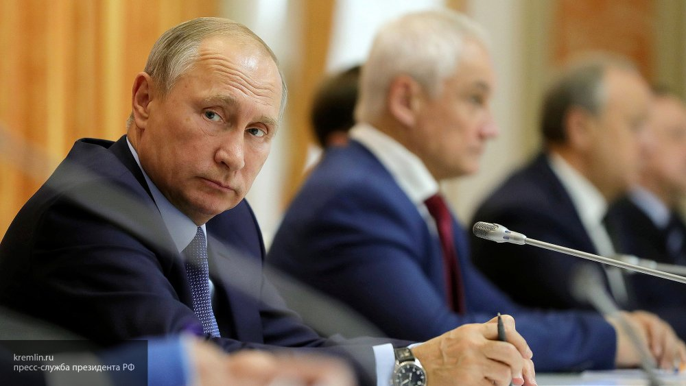 Путин поздравил Жээнбекова с победой на выборахпрезидента Киргизии