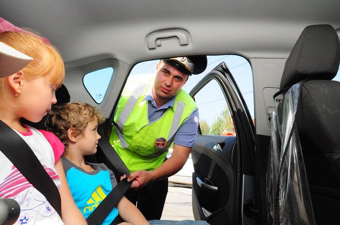 Верховный суд постановил, что детей можно перевозить без автокресла