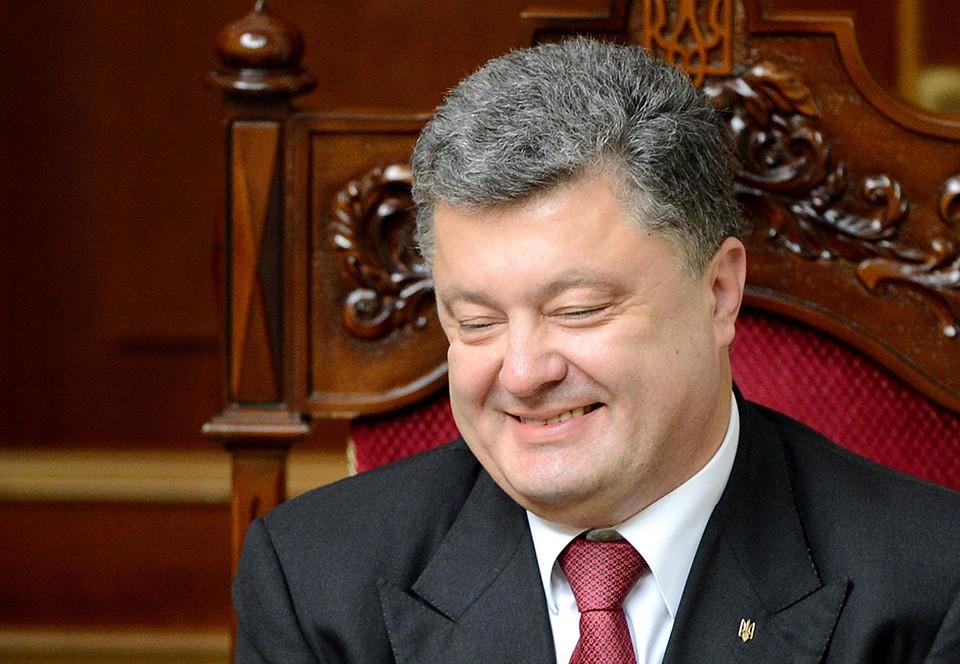 Пьяный Порошенко поблагодарил ВСУ за то, что они «спасли страну от российской агрессии» (видео)