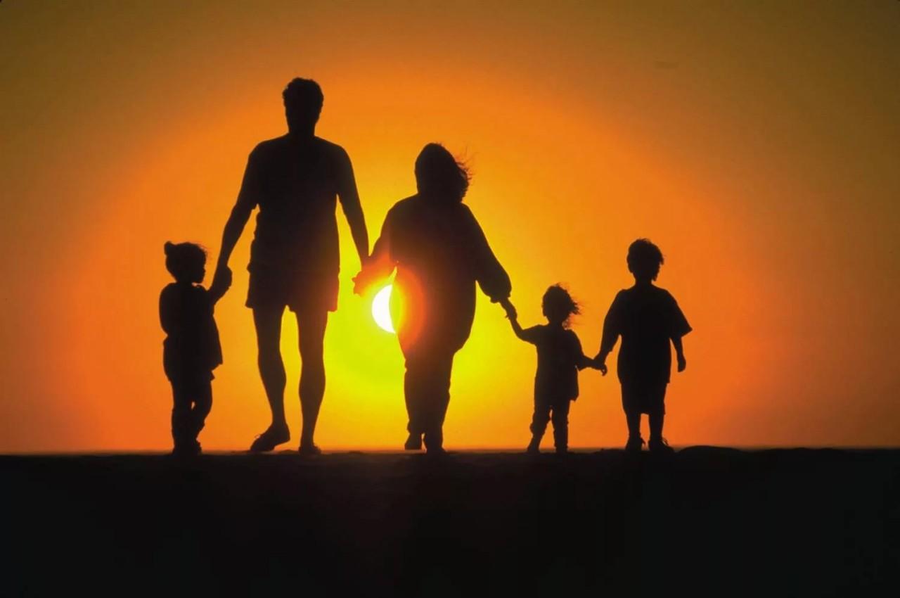 ОТНОШЕНИЯ С РОДИТЕЛЯМИ - ПРИНЯТЬ И УВАЖАТЬ