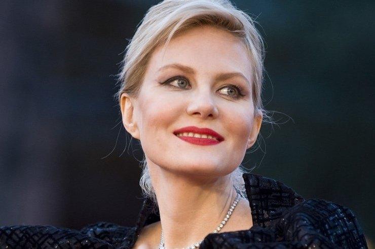 Правила красоты 50-летней Ренаты Литвиновой: вы удивитесь!