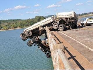 Страшные аварии тяжелой техники. Безумные водители
