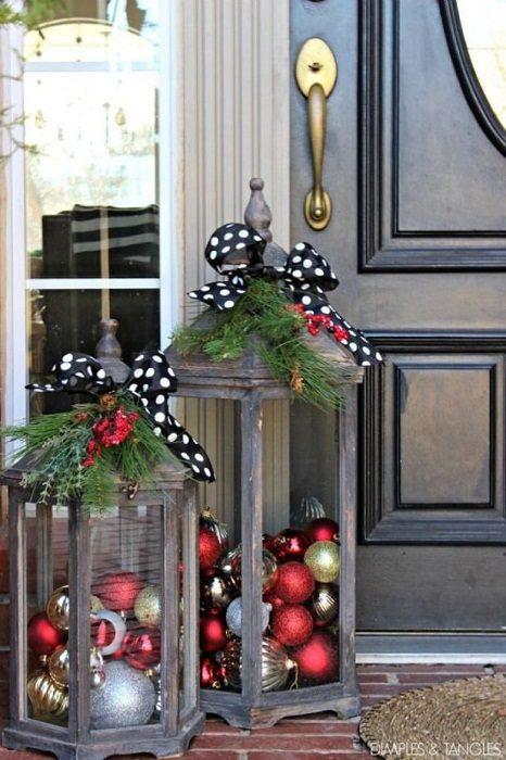 Украшаем дом рождественскими фонарями