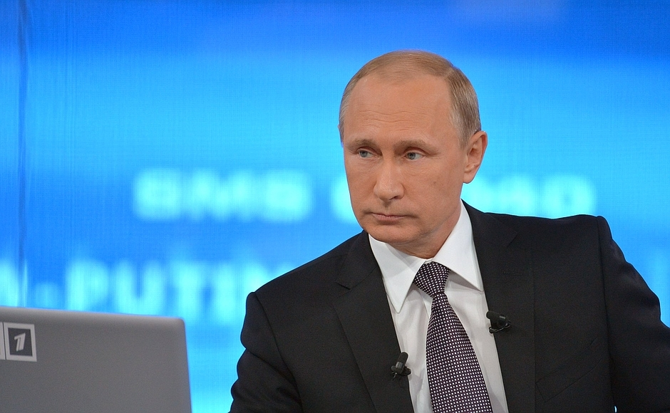 Плотницкий и Захарченко прокомментировали указ президента России о признании паспортов ЛНР и ДНР. Порошенко отреагировал на указ Путина о признании документов ДНР и ЛНР