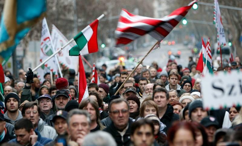 Закарпатье марширует в Венгрию