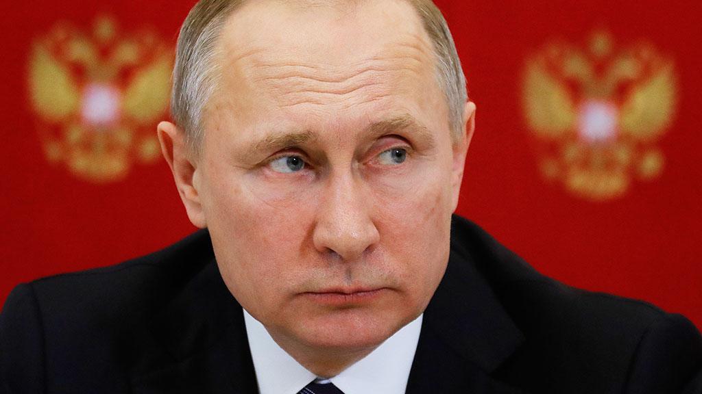 Кремль: по закону о защите чести и достоинства президента РФ позиции пока нет