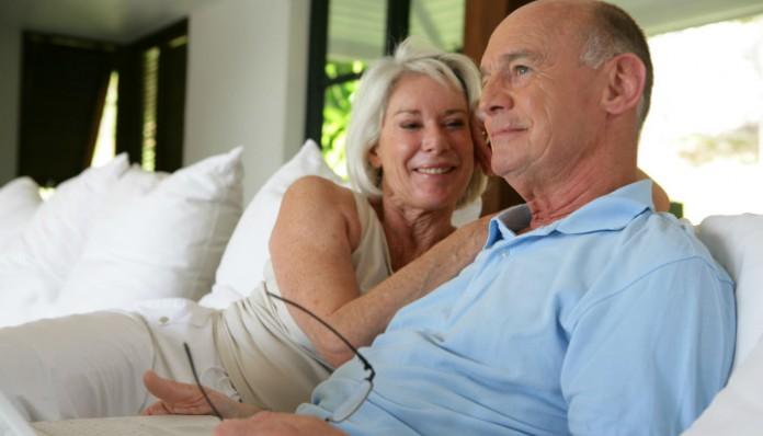 Учитесь, как надо ставить на место мужа, охамевшего после 50 лет брака!