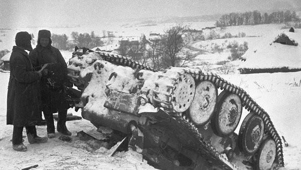 5 декабря 1941 года началось контрнаступление советских войск под Москвой. Мечты Гитлера об успешном блицкриге рассыпались в прах. Советские войска наступали, начались суровые морозы, немцы всё чаще поминали Наполеона...   СССР, война, история, факты