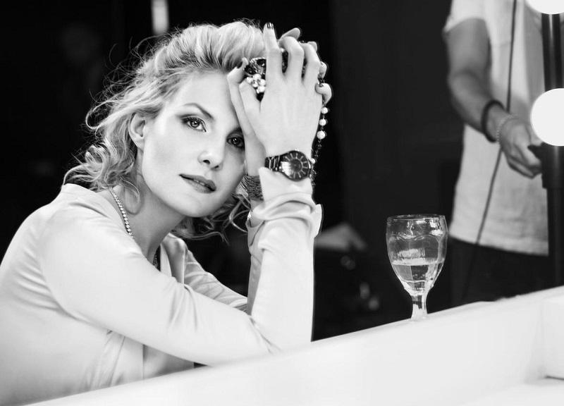 Правила красоты 50-летней Ренаты Литвиновой: минимум сна, чтение и хорошее вино!
