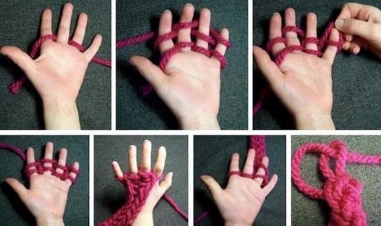 Оригинальный способ вязания для тех, кто не дружит со спицами. Нашим бабушкам и не снилось…