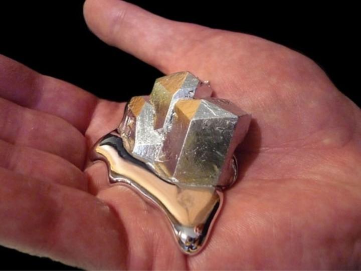 gallium01 Галлий   редкий метал, который тает в руках
