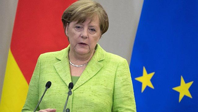 Меркель рассказала НАТО, как нужно общаться с Россией