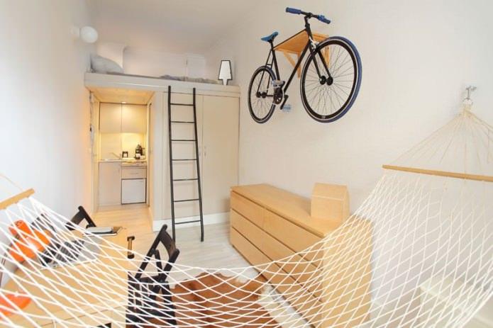 Аккуратный простор: крошечная квартирка 13 кв. м. в Польше