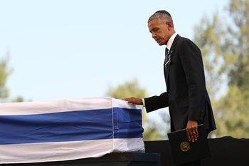 """Обама Клинтону после похорон Переса: """"Билл, идем, мне надо домой"""""""