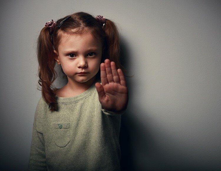 ТОП-7 вредных советов, как воспитать из ребенка жертву. Не следуйте им