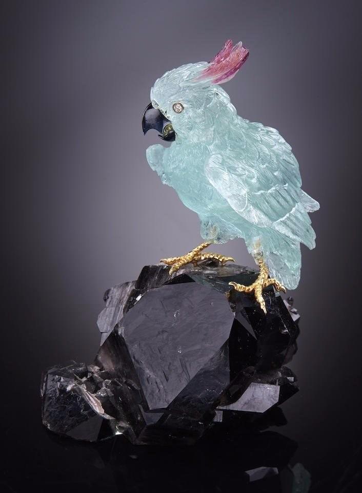 Птицы, вырезанные из минералов