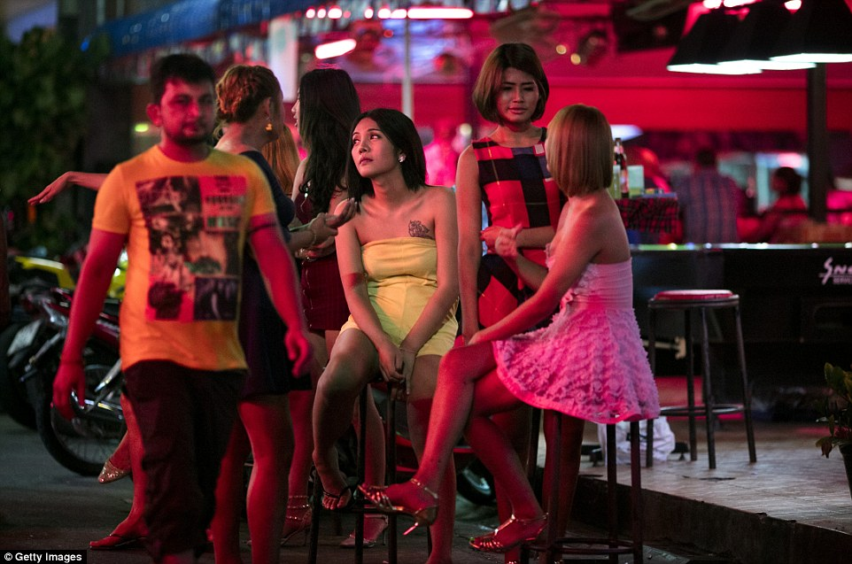 Любовь по расчету: ночь в таиландском квартале красных фонарей