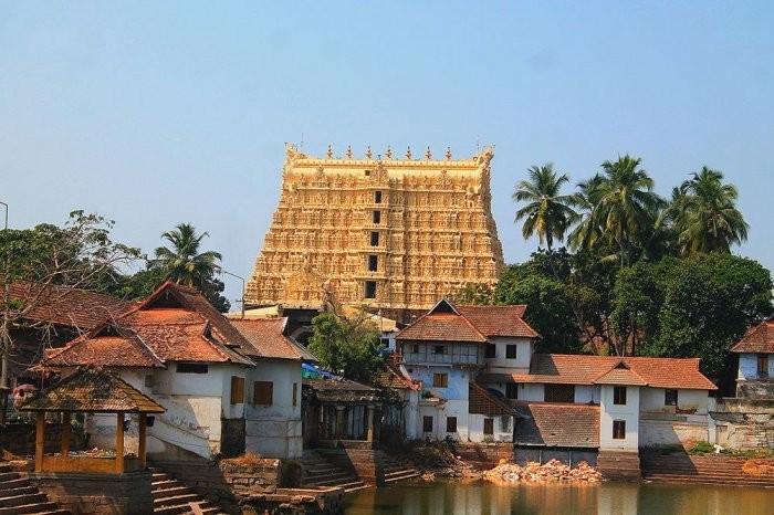 Самый богатый храм в мире – триллион долларов Падманабхасвами (5 фото)