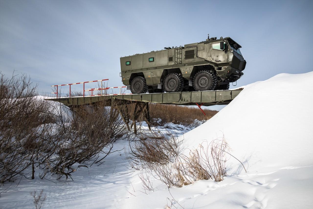 КАМАЗ накрыло «Тайфуном»: тест нового российского супергрузовика