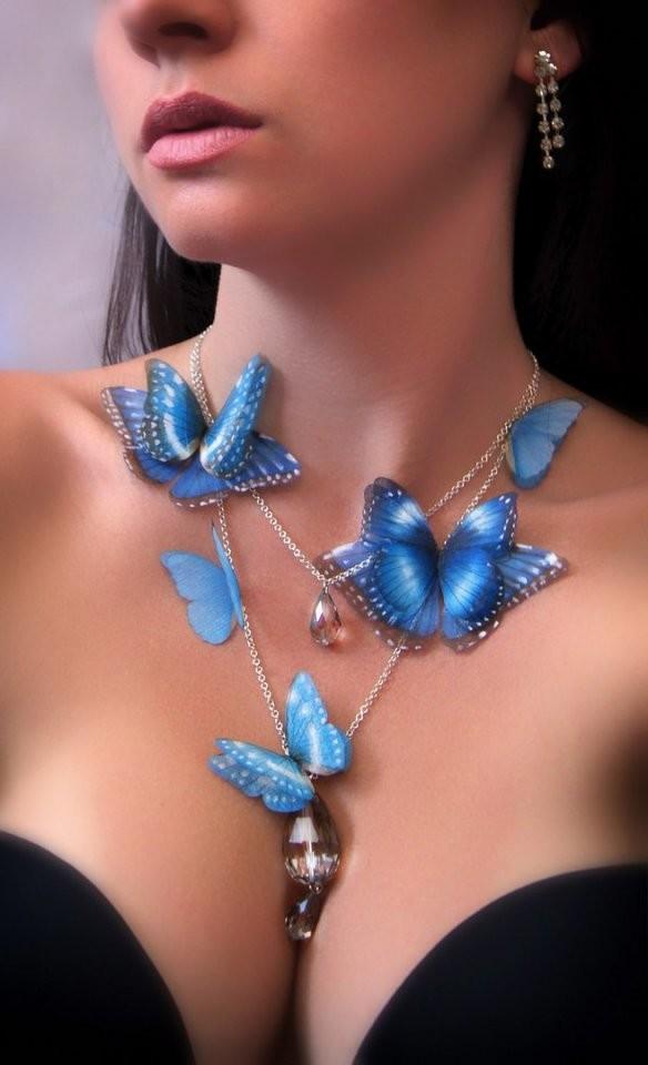 """Оцените мою работу! Колье """"Ниагара"""" с порхающими бабочками из натурального шелка. Ручная роспись"""