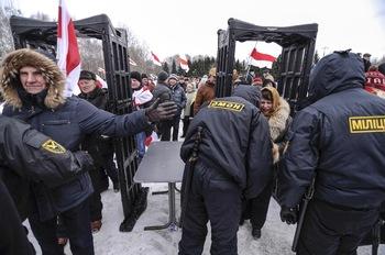 Массовые задержания противников Лукашенко проходят в Минске (ВИДЕО)