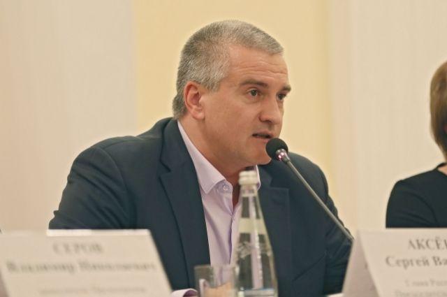 Аксенов назвал чушью идею запретить судам из РФ входить в воды Украины