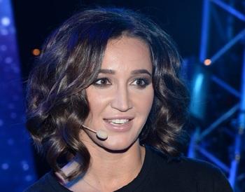 Телеведущая и певица Ольга Бузова стала главным редактором газеты