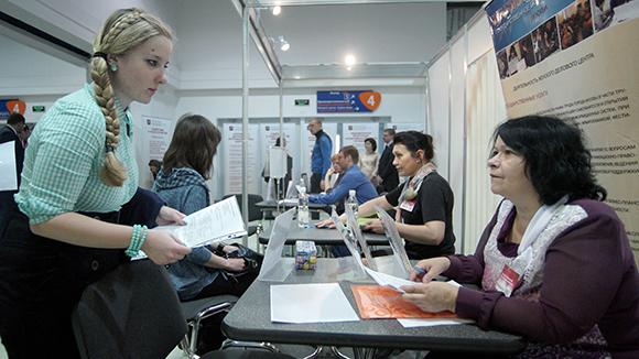 87% россиян видят спасение от кризиса в подработке