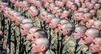Военные ВСУ массово закупают гражданскую одежду