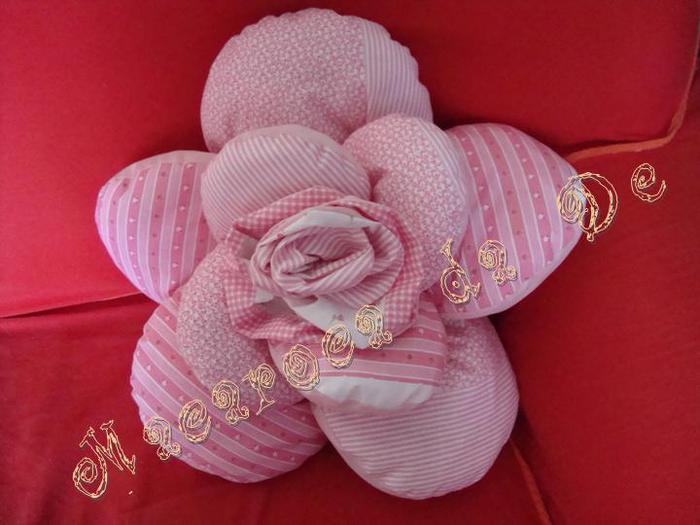 almofada-flor-rosa-1 (700x525, 45Kb)
