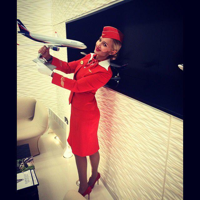 Стюардесса рассказала о заоблачной зарплате, суевериях и подготовке в Аэрофлоте