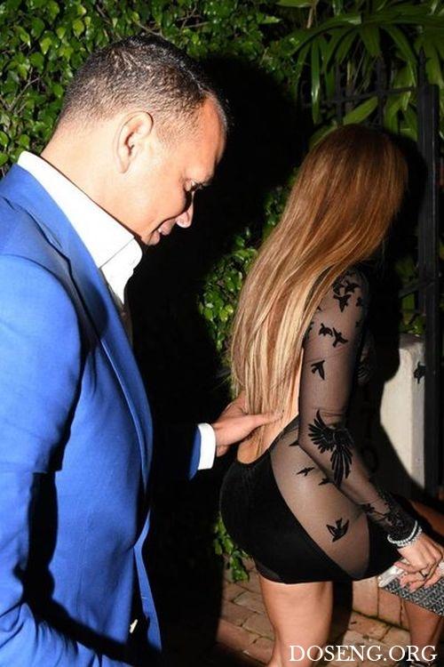 Дженнифер Лопес надела прозрачное платье на свой День рождения