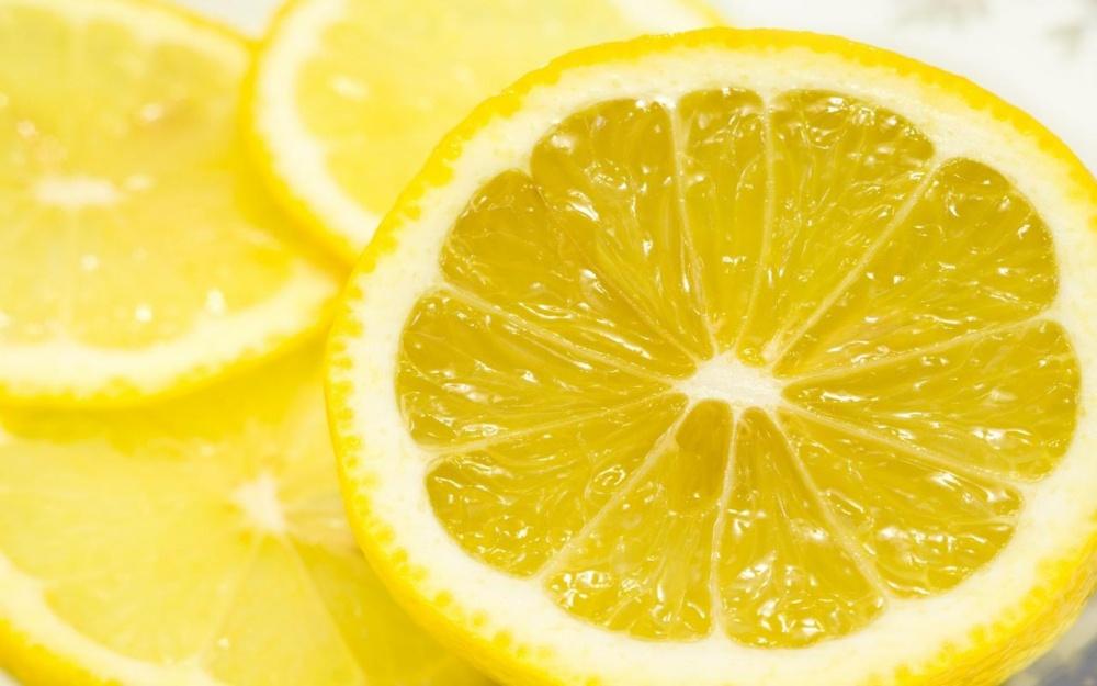 Красивая и сияющая коже с помощью лимонной маски