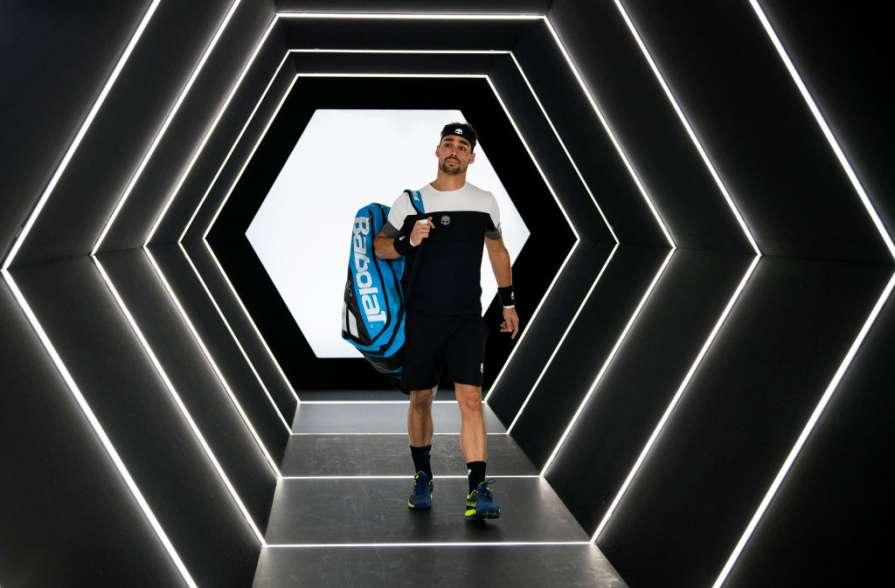 Итальянский теннисист стал л…