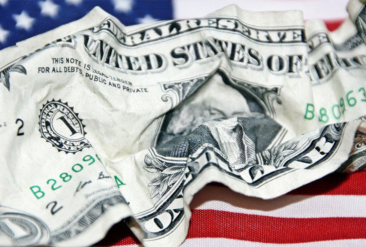 В США поняли, как сами убили доллар на мировом рынке