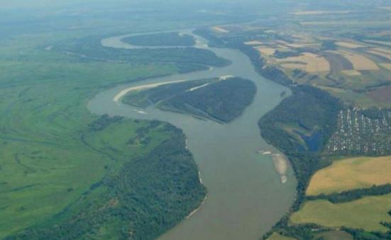 Китай попросил Медведева построить водопровод с Алтая