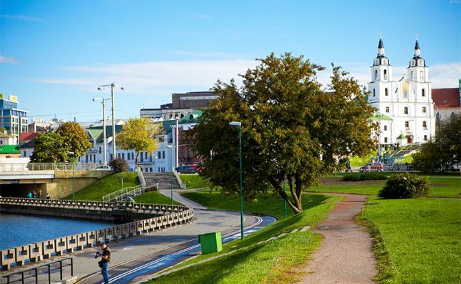 Почему в Белоруссии дороги лучше, а люди добрее