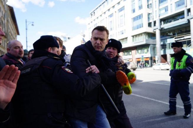ЕС вслед за США призвал освободить задержанных участников митинга против коррупции