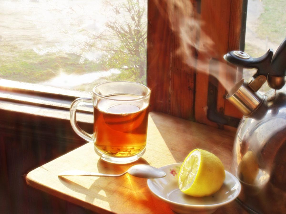 Медики назвали главную опасность горячего чая