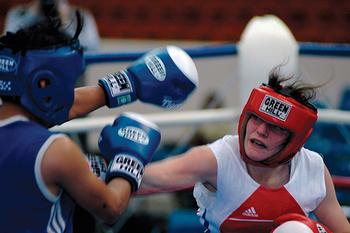 Первая в Твери мусульманка на ринге доказывает, что бокс – женское дело