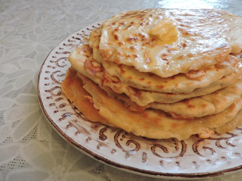 Лепешки с сыром на сметане на сковороде