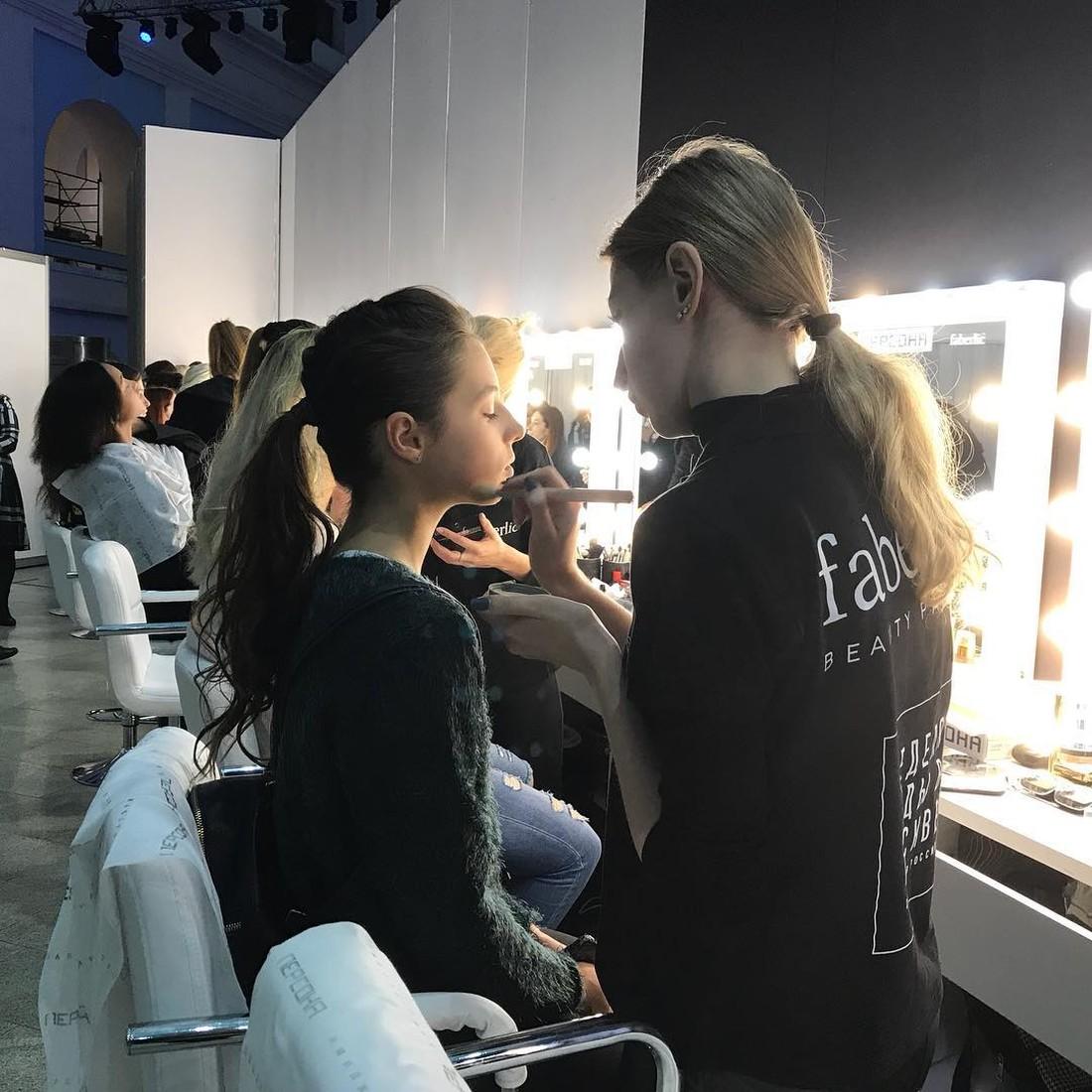 Круче, чем мама: 12-летняя дочь Анастасии Волочковой дебютировала в качестве модели в Москве