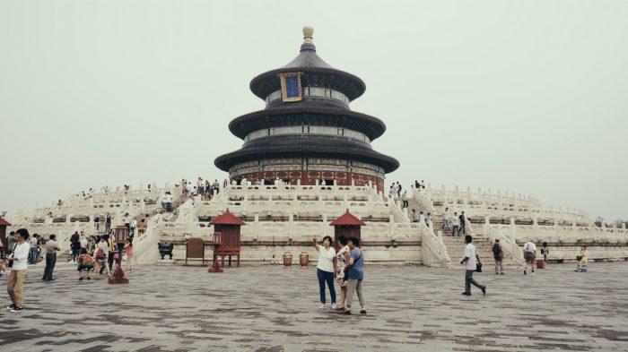 китайцы возле достопримечательностей