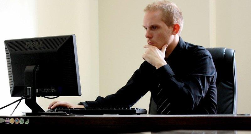 5 болезней, возникающих утех, кто постоянно сидит