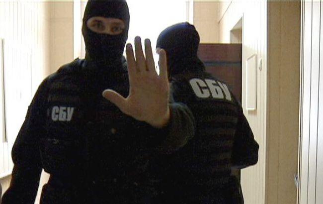 Тяжелые наркотики на Украину нелегально ввозились самолетами через Харьков